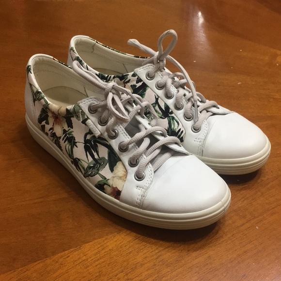 Ecco Shoes   Soft 7 Womens Floral
